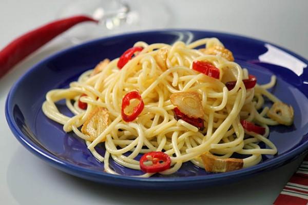 Spaghetti aglio pepperoncino